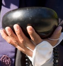 begging-bowl-monk-hand